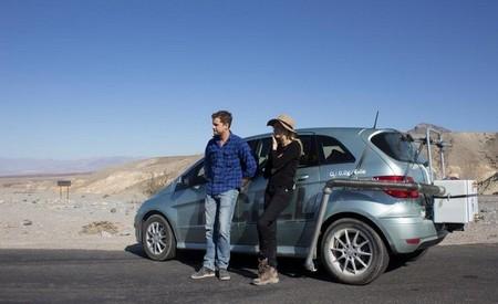 Sobrevivir al desierto sólo con el agua producida por un Mercedes-Benz Clase B F-Cell: un caso para la división Fringe