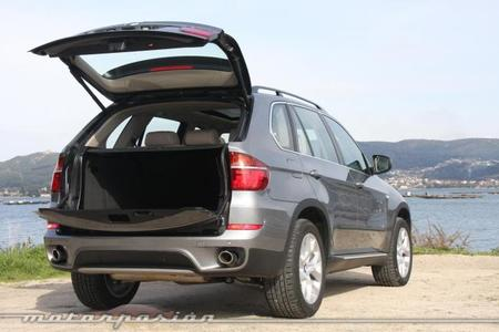 BMW X5 4.0d xDrive maletero