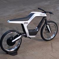 La Novus está a camino entre bici y moto eléctrica destacando por ligera, pero el peso pluma no sale barato