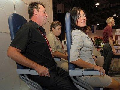 Los aviones donde viajaremos 'de pie' están cerca y Colombia quiere ser el primero en implementarlos