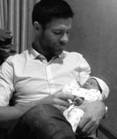 La primera foto de Xabi Alonso con su nena es para morir de amor