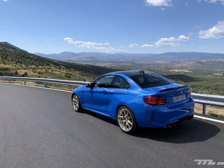 BMW M2 CS trasera