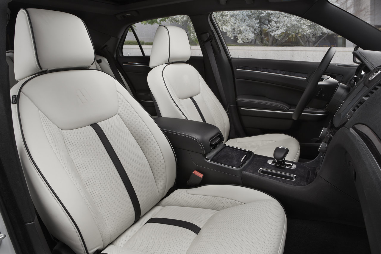 Foto de Chrysler 300C Motown Edition (18/21)