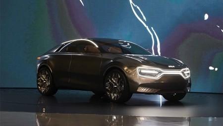 Kia CV podría ser el nombre del nuevo SUV eléctrico de la marca coreana, y ya se está poniendo a prueba