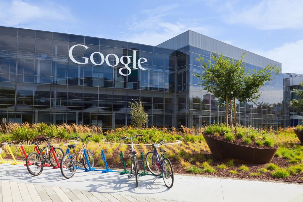 Presentan una demanda contra Alphabet, matriz de Google, por encubrir casos de presunto acoso sexual