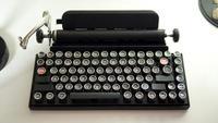 Qwerkywriter, un teclado mecánico con aspecto de máquina de escribir