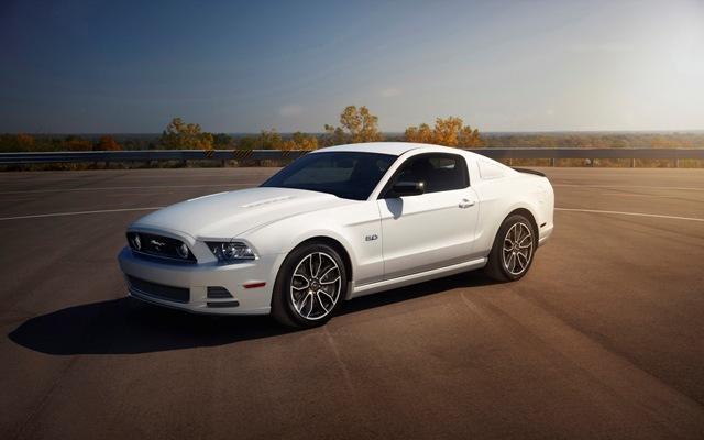 Foto de Ford Mustang 2014 (17/18)
