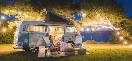 Disfruta de Ibiza desde una clásica furgoneta Volkswagen vintage convertida en suite
