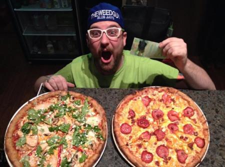 Una pizza con mariguana, por favor.