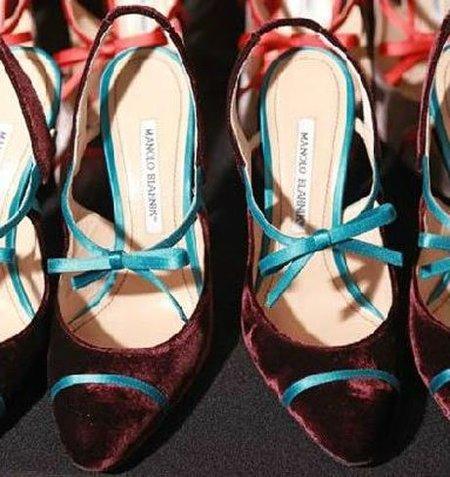 Zapatos Manolo Blahnik en el backstage de Carolina Herrera, Show Otoño 2011