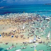 La isla brasileña que solo existe 20 días al mes