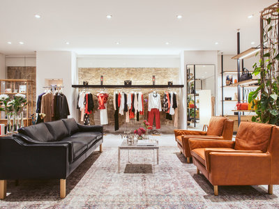 La nueva tienda de Uterqüe en Barcelona parece un apartamento de diseño