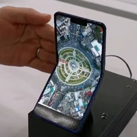Sharp muestra un prototipo de teléfono plegable con pantalla AMOLED de 6,18 pulgadas