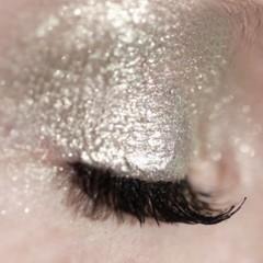 ellis-eyes-light-sombras-liquidas-de-ellie-faas