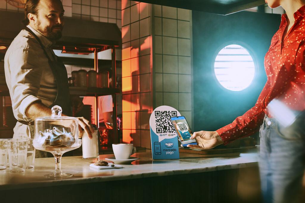 Starbucks se suma a la moda de los códigos QR en México, sus 746 sucursales ya aceptan pagos de MercadoPago desde el smartphone
