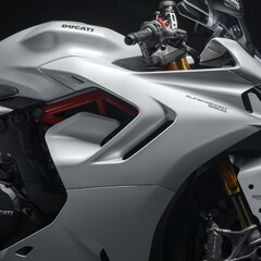 ducati-supersport-950-y-950-s-2021