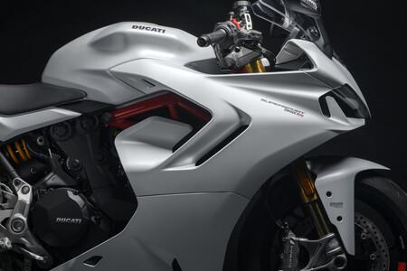 Ducati SuperSport 950 y 950 S 2021