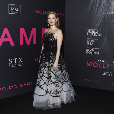 Así es el vestido de Oscar de la Renta que ha conseguido volver a hacer brillar a Jessica Chastain