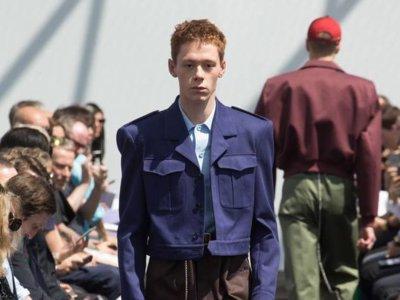 Los looks arquitectónicos de Balenciaga conquistan el primer día de la semana de la moda de París