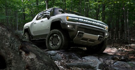 ¡Descomunal! El Hummer EV es un coloso de 1.000 CV y 560 km de autonomía que quiere aplastar a sus competidores (si los hay)