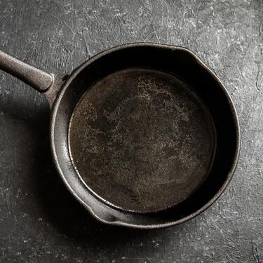 Sartenes de hierro: pros y contras de una vieja herramienta que se ha puesto de moda (y cómo usarla correctamente)