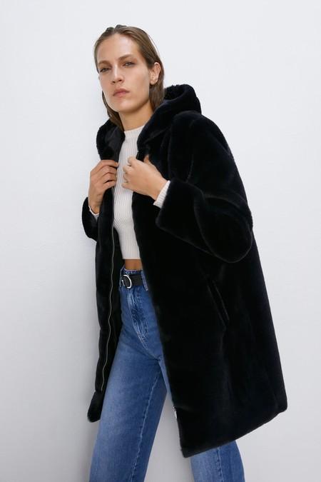 Zara Abrigo Peluche Otono 2019 07