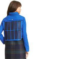 ¿Una chaqueta con la que cargar nuestros teléfonos? Tommy Hilfiger apuesta por ello