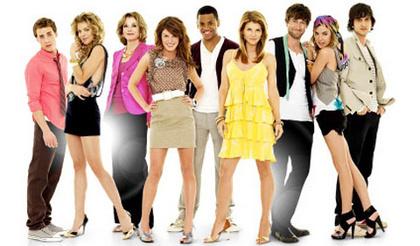 90210, el spinoff de Sensación de vivir va tomando forma
