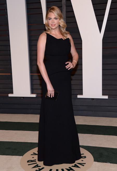 Kate Upton, elegancia en negro