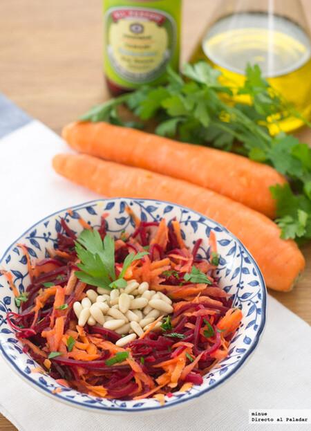Ensalada agridulce de zanahoria y remolacha con piñones, receta