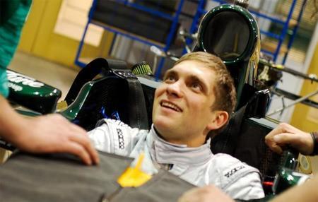 Vitaly Petrov no tiene el dinero para seguir con Caterham en el 2013