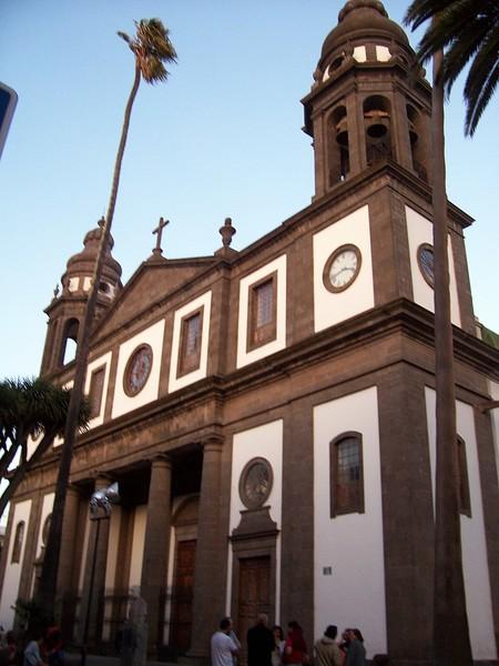 800px Catedral De La Laguna Tenerife