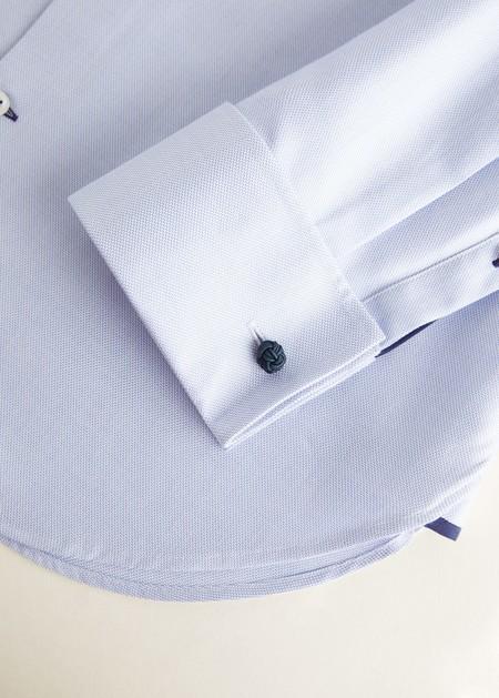 Mango se apunta a la personalización de prendas bordando nuestras iniciales