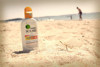 """La OCU analiza las cremas de protección solar: """"mejor las del súper"""""""