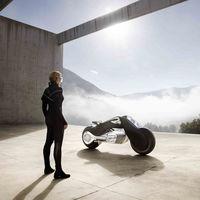 La BMW Motorrad VISION NEXT 100 te lleva hacia una dimensión desconocida para los moteros