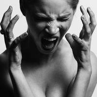 Los episodios de estrés por la noche te hacen engordar (y el último estudio científico al respecto te explica por qué)