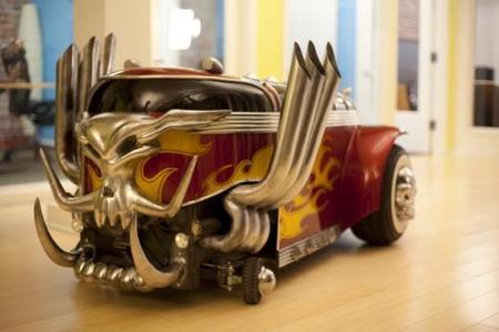 Así se construyó el coche de carreras de 'Brutal Legend'