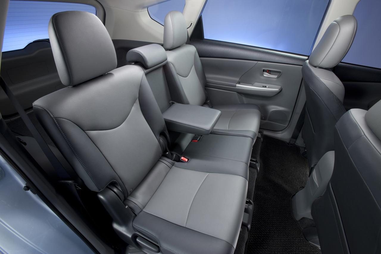 Foto de 2011 Toyota Prius v (69/77)