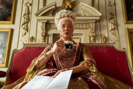 'Los Bridgerton' tendrá precuela: Netflix pone en marcha una serie centrada en la reina Charlotte escrita por Shonda Rhimes
