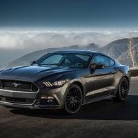 En Ford mandan los caballos al establo. Se detiene la producción del Mustang por una semana