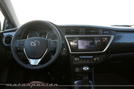 Toyota Auris 2013, vista interior