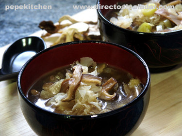 Receta de sopa de algas y setas chinas