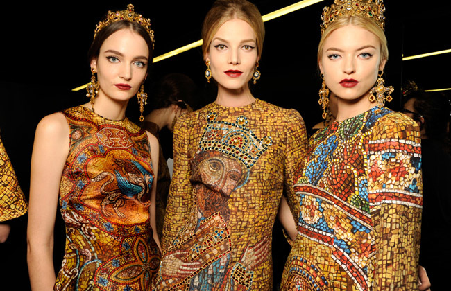 3 modelos by Matteo Valle