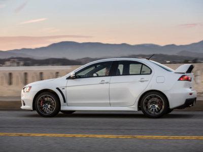 El último Mitsubishi Lancer Evolution Final Edition subastado casi duplica el precio del primero