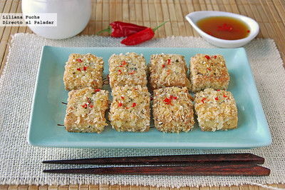 Bocados de tofu crujiente con sésamo. Receta