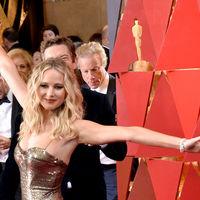 Oscars 2018: Jennifer Lawrence no convence en la alfombra roja