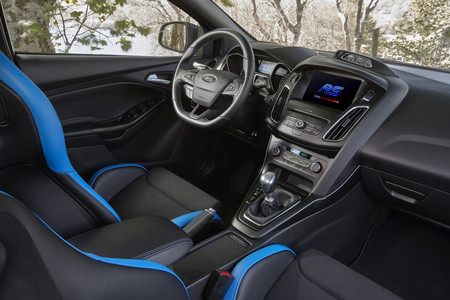 Ford Focus RS Performance interior