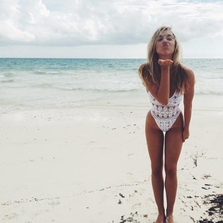 Alexis Ren Modelo Instagram 4