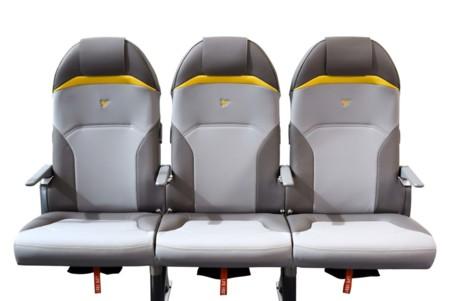 ¿Asientos de avión tan ligeros como dos six de cervezas? ¡Sí, los creó Peugeot!