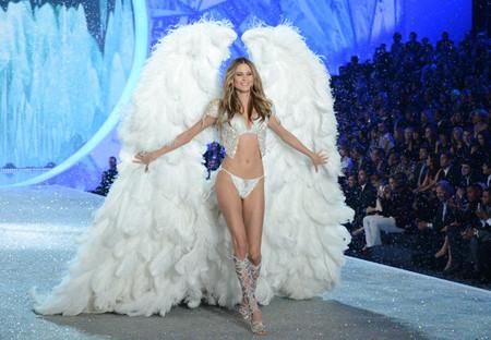 Y los ángeles volvieron a desfilar en la tierra... ¡Larga vida a Victoria's Secret!